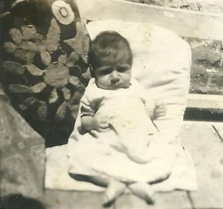 1940_Esther Baby2