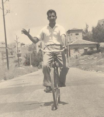 33_Yosef_bike_a
